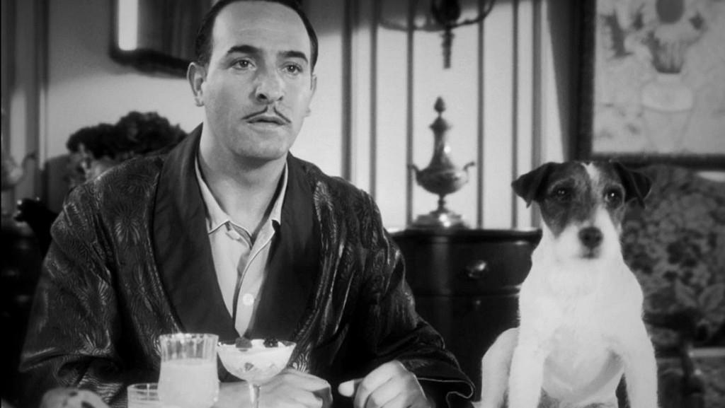 Jean Dujardin a Uggie ve filmu Umělec