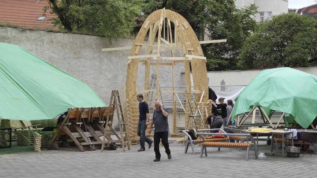 Stavba dřevěného objektu