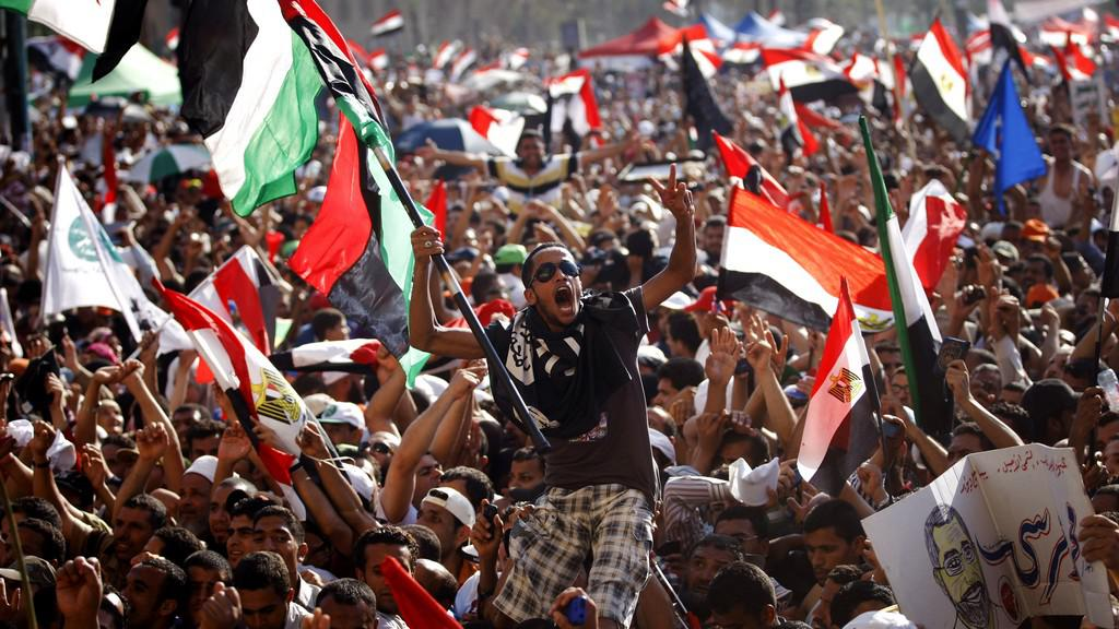 Mursího příznivci oslavují výsledek voleb