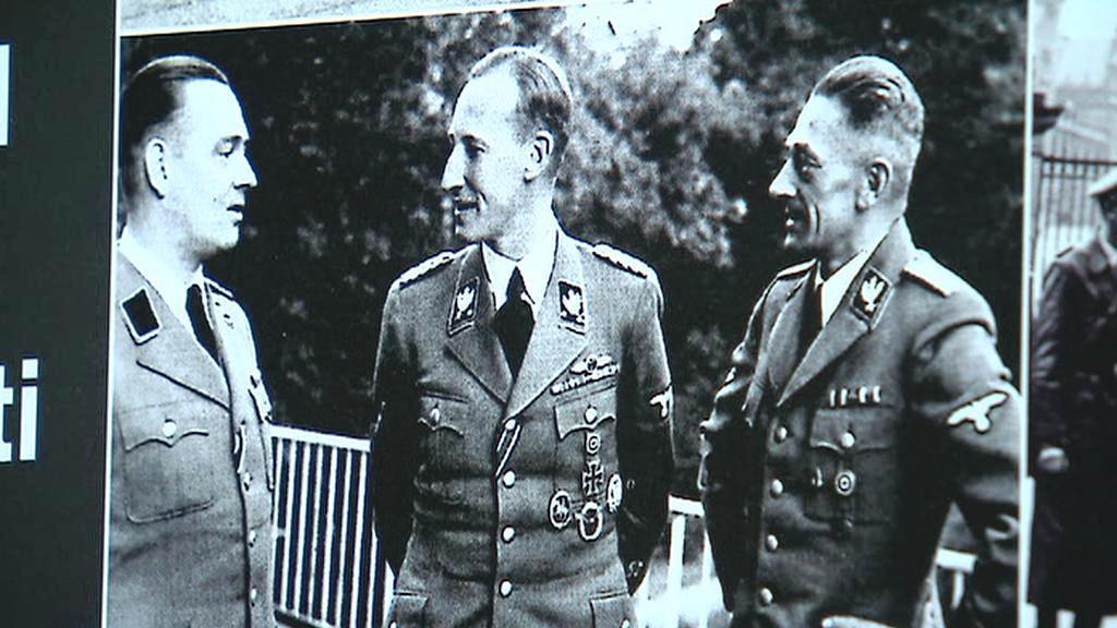 Fotografie z výstavy (Heydrich uprostřed)