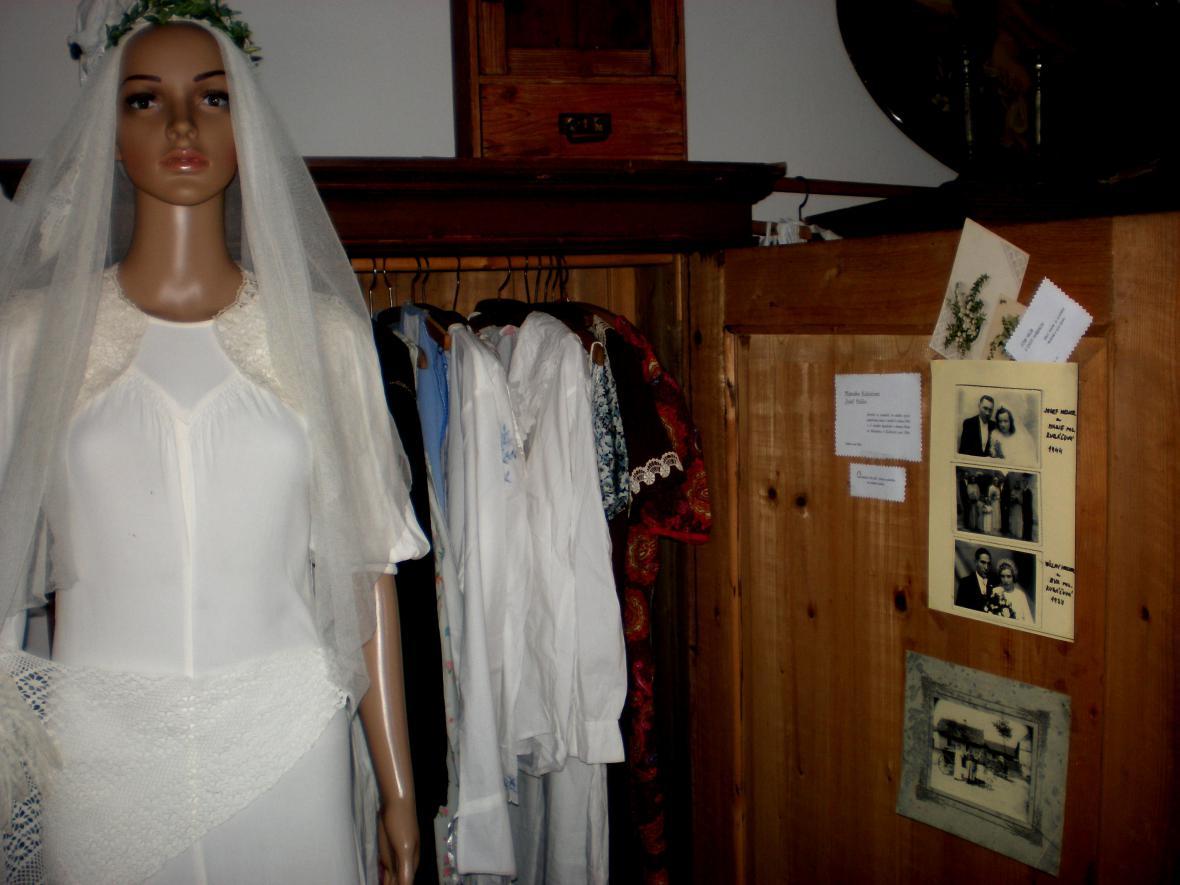 Z vesnického muzea v Košticích