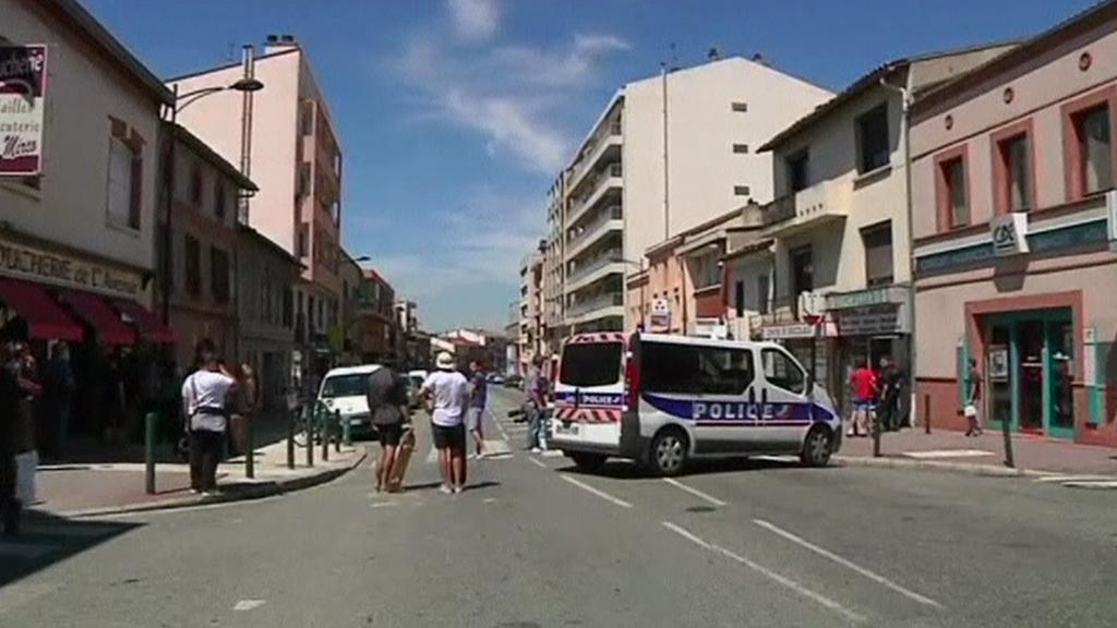 Muž drží v bance v Toulouse rukojmí