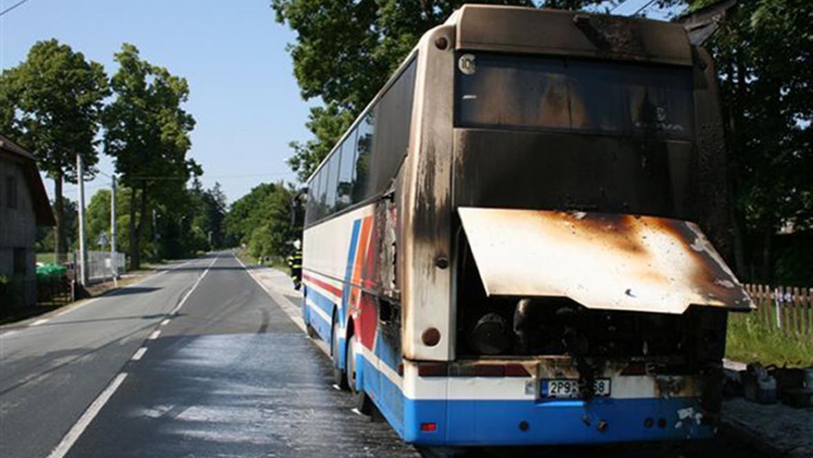 Ohořelý autobus
