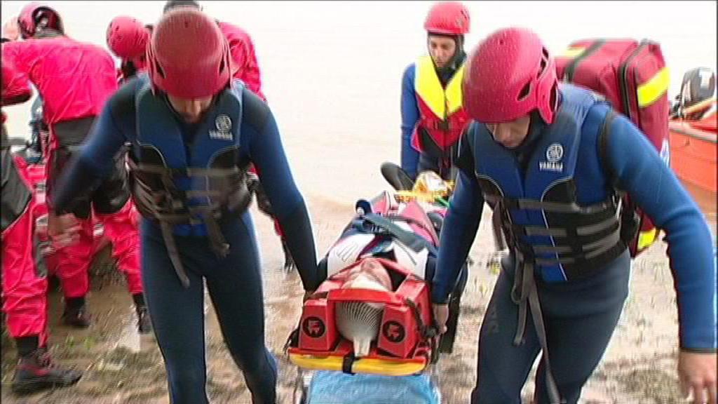 Vodní záchranáři při cvičení