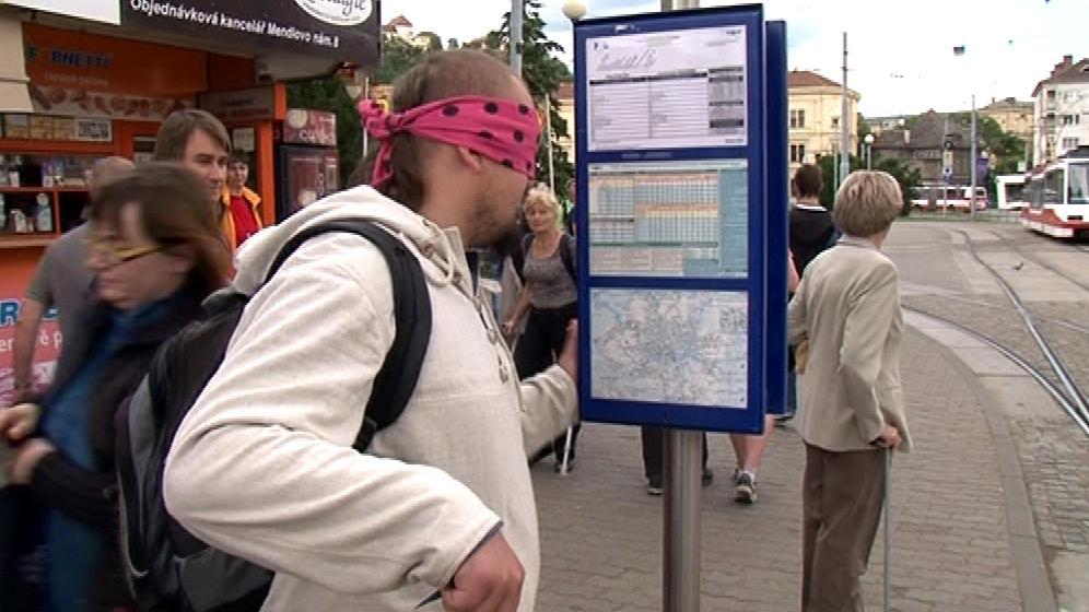 Problémy nevidomých si na vlastní kůži vyzkoušeli i výzkumníci