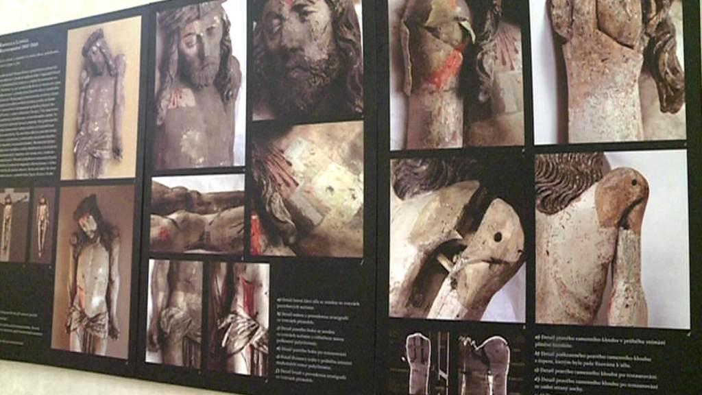 Expozice ke zrestaurované soše ukřižovaného Krista