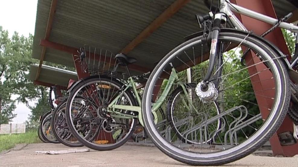 V obci jezdí na kole doslova každý