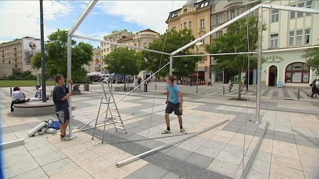 Projekce na náměstí