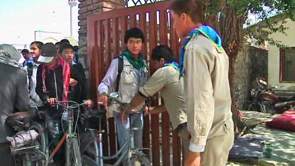 Studentské hlídky u afghánských škol