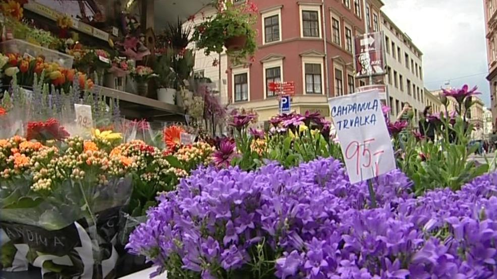 Zákaz se nevztahuje na prodejce květin mimo centrum