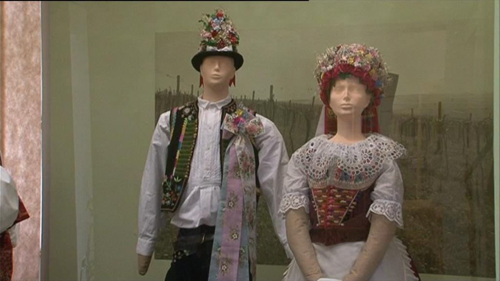 V Podhoráckém muzeu vystavují kroje z Moravy i Slezska