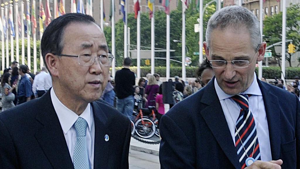 Martin Nesirky informuje Pan Ki-muna o zabití sedmi členů mírové mise v Pobřeží slonoviny