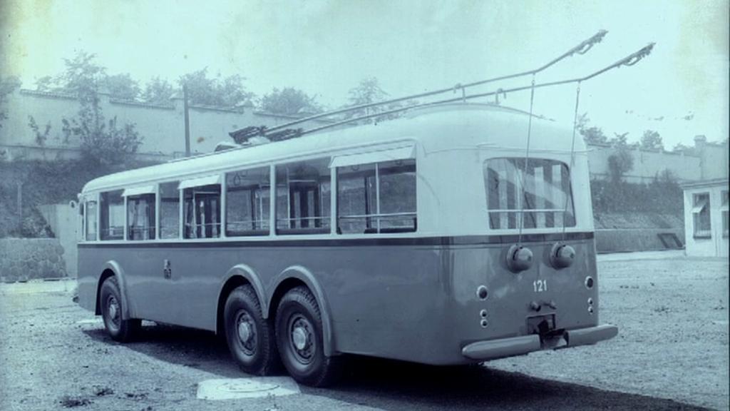 Historická fotografie trolejbusu