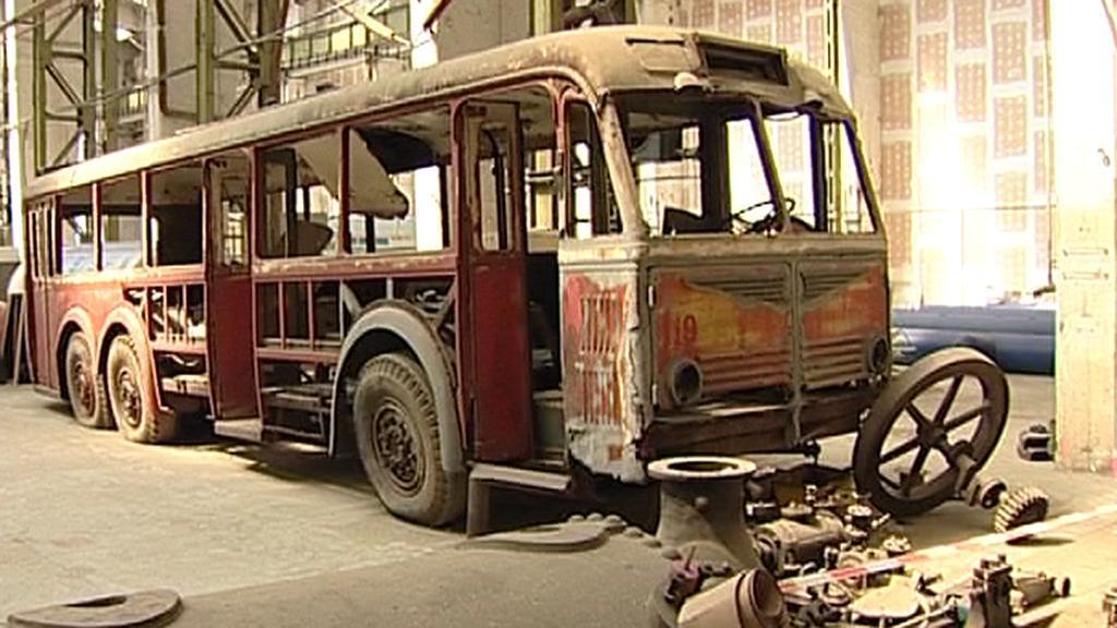 Trolejbus před opravou