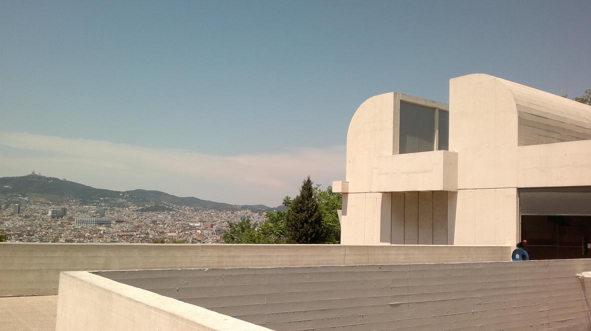 Barcelona z terasy Nadace Joana Miróa