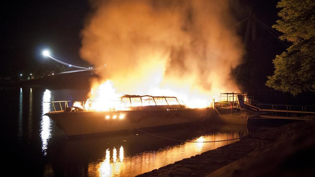 Hořící loď Dyje