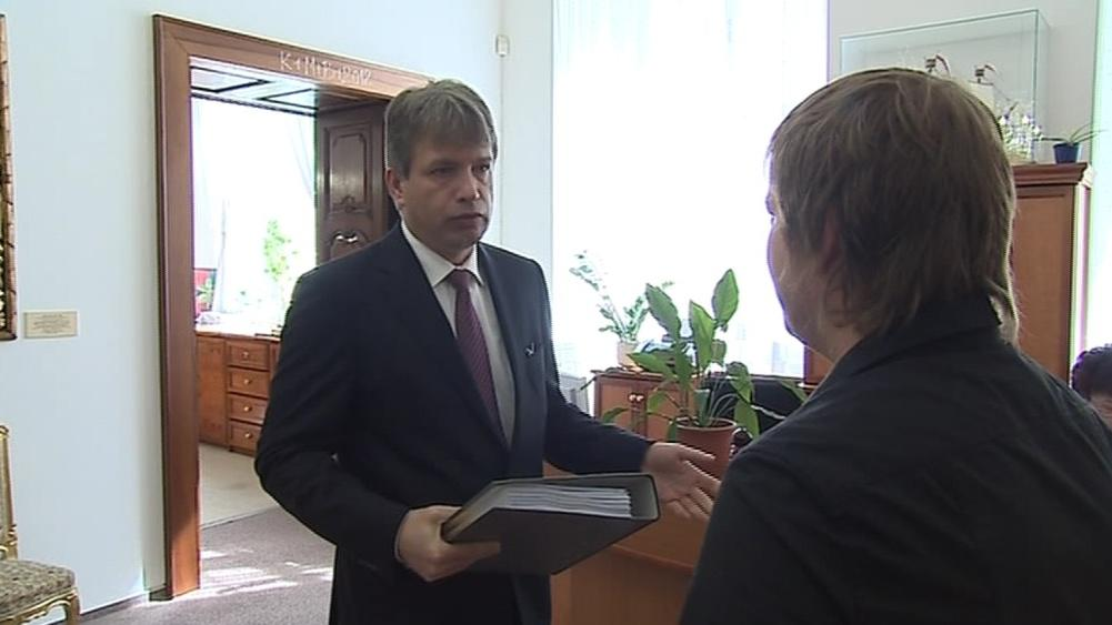 Roman Onderka převzal petici za záchranu Flédy