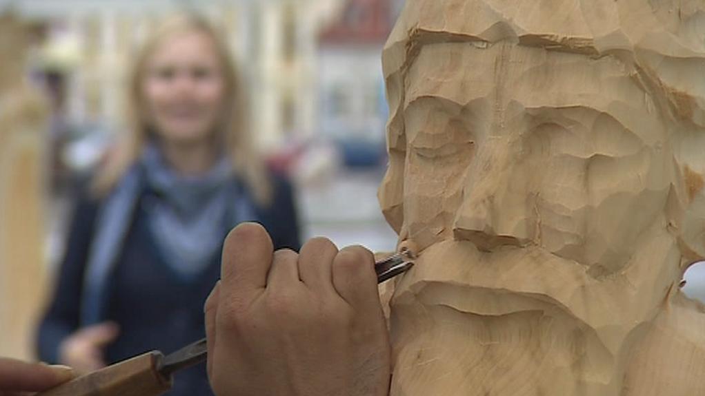 Vytváření soch na Svátky řemesel 2012 v Kunštátě