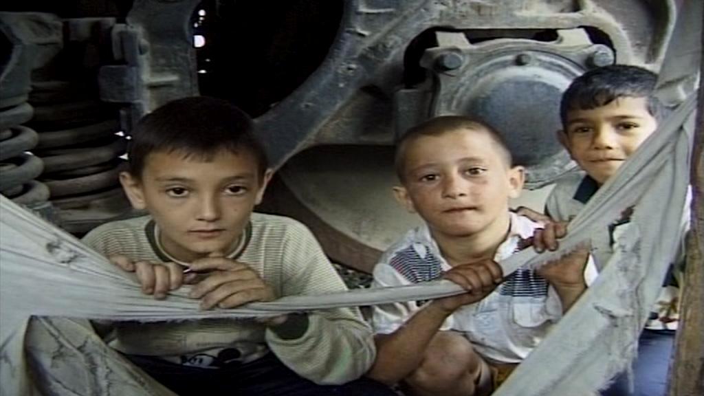 Děti čekající na pomoc