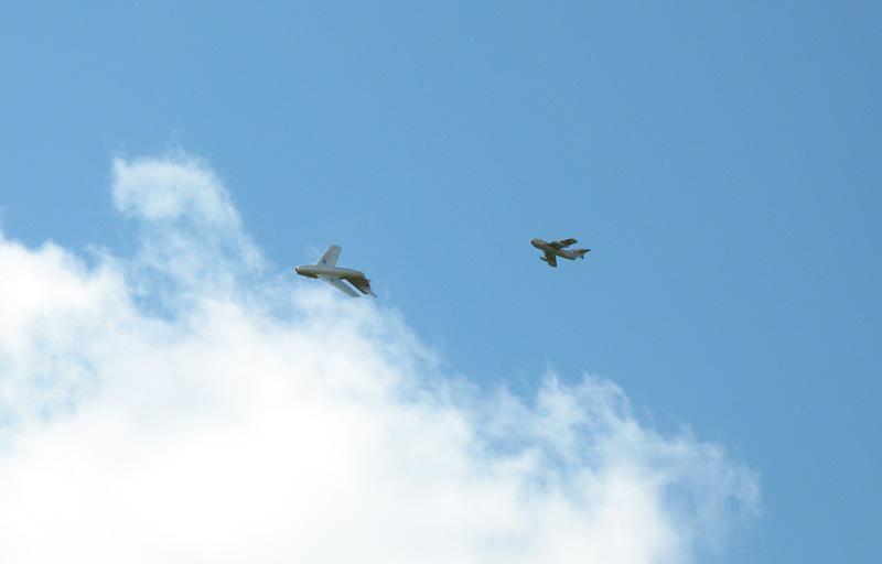 Modely vojenských letadel ve vzduchu