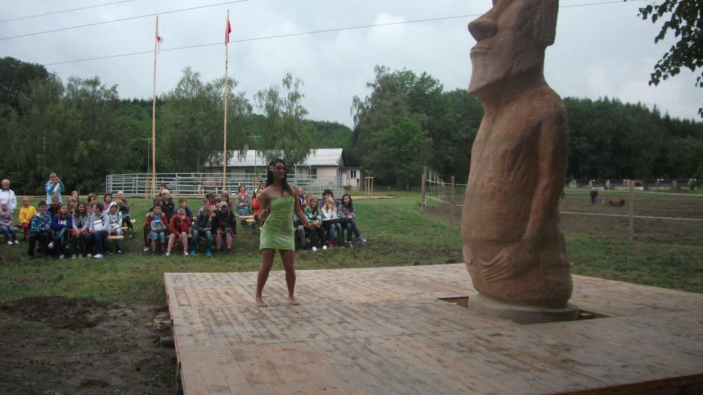 Socha je mementem zániku rapanujské kultury