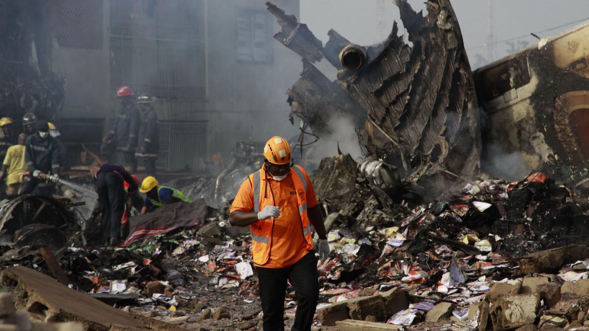 Následky nehody v Lagosu