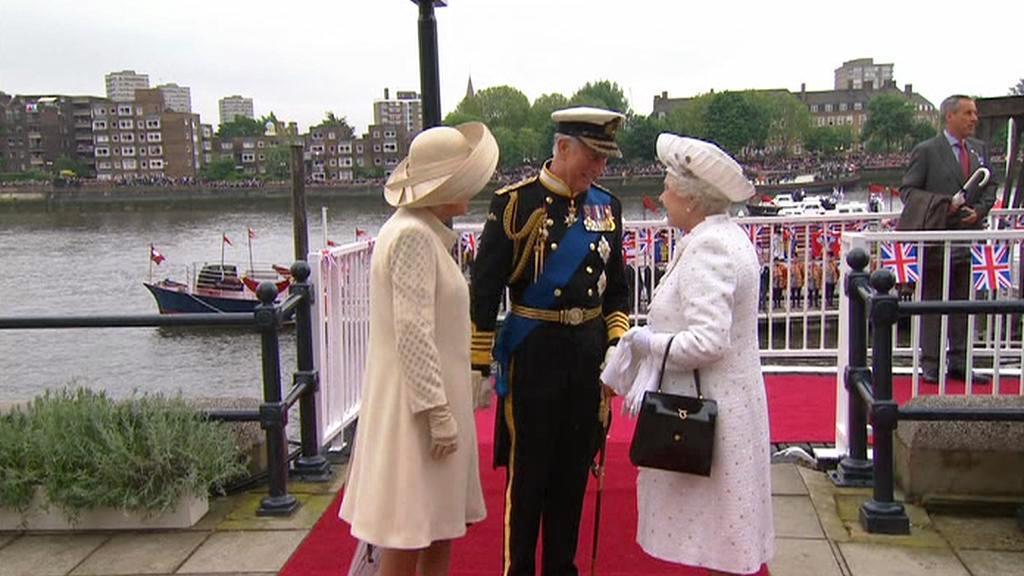 Camila, Charles a královna Alžběta II.