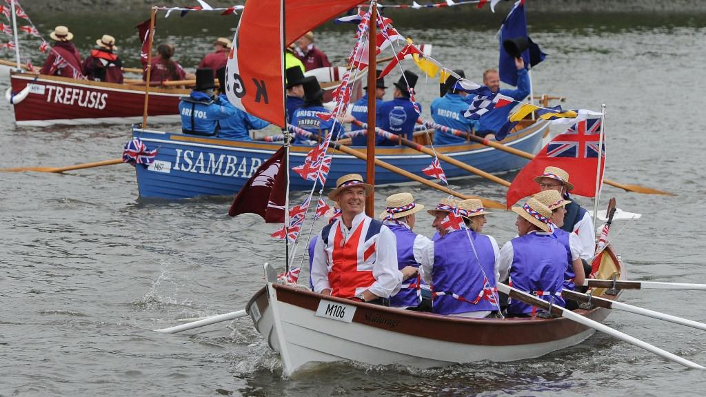 Diváci královské plavby