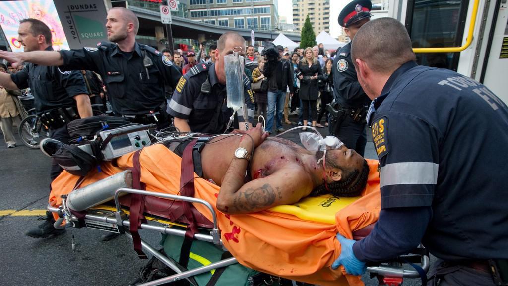 Jeden ze zraněných při střelbě v Eaton Centre v Torontu