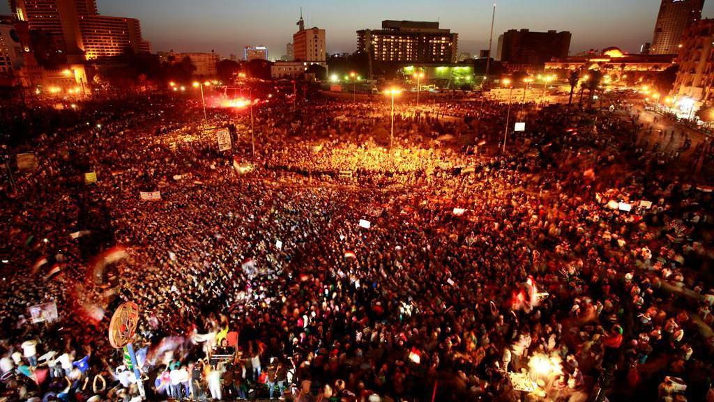 Demonstrace proti rozsudku nad Mubarakem