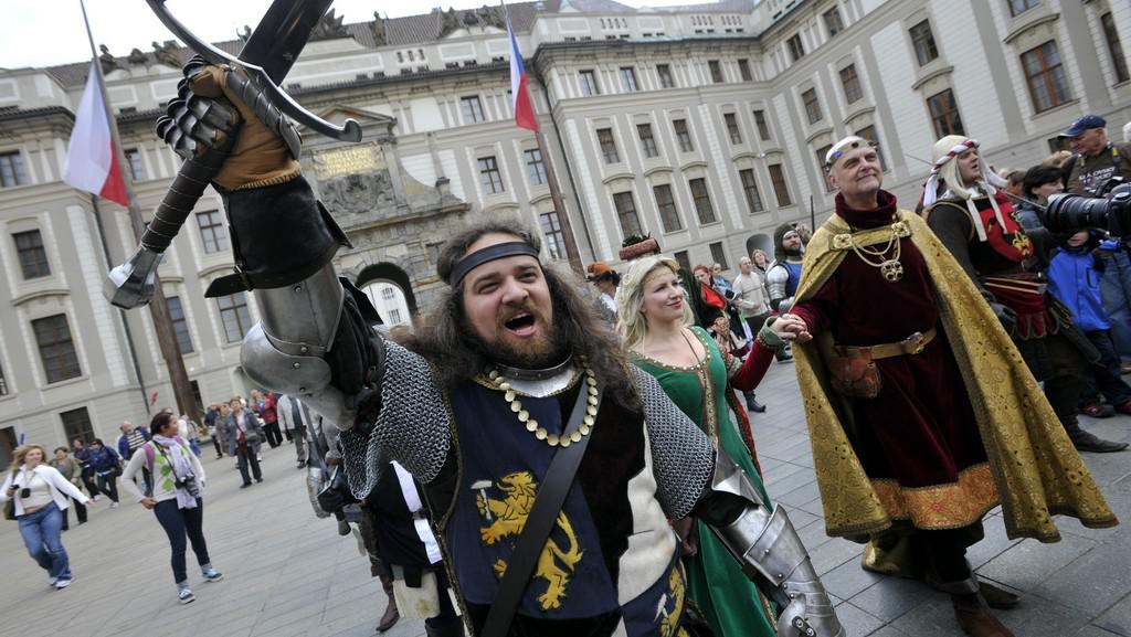 Slavnostní průvod vyrážel z Pražského hradu