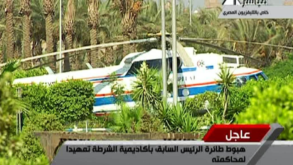 Husního Mubaraka dopravil do Káhiry ze Šarm-aš-šajchu vrtulník