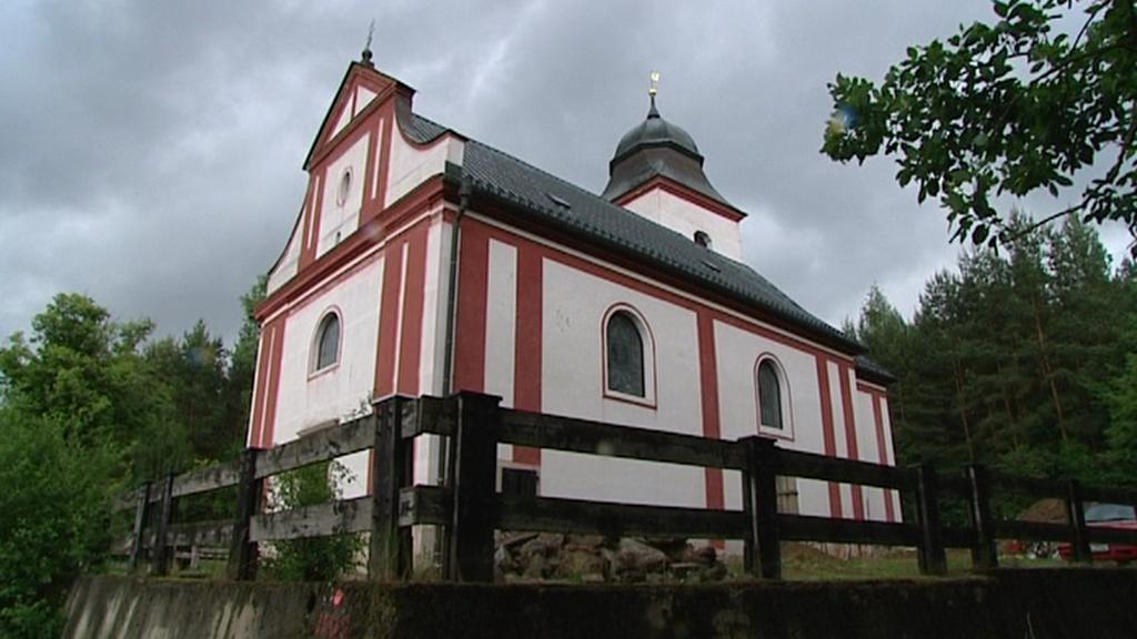 Kostel sv. Víta na břehu Želivky
