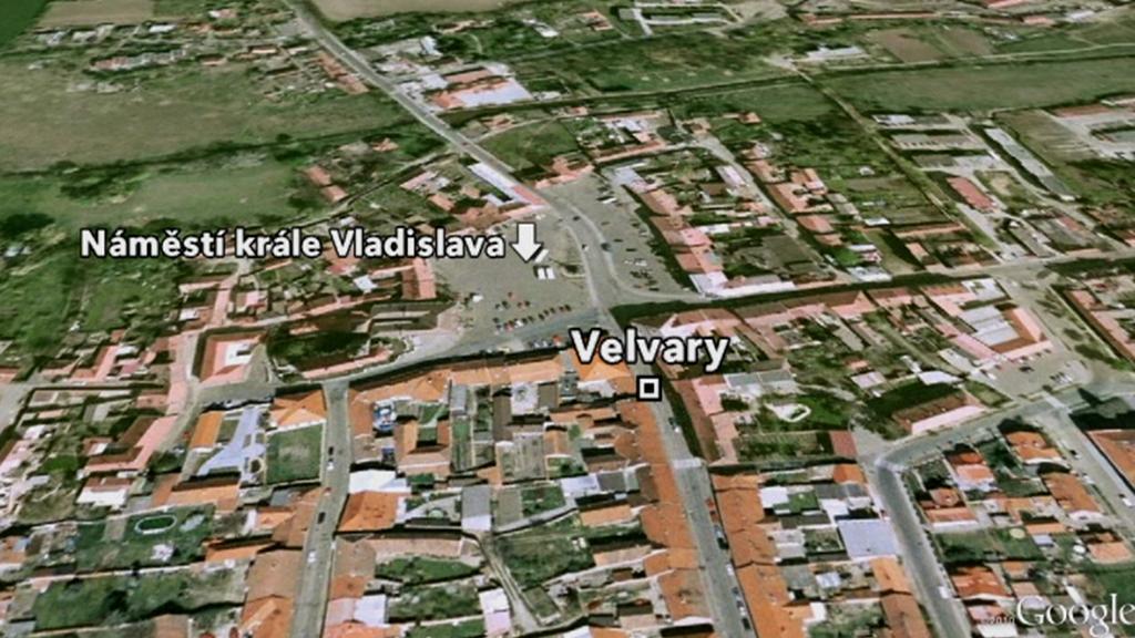 Náměstí ve Velvarech - místo nehody