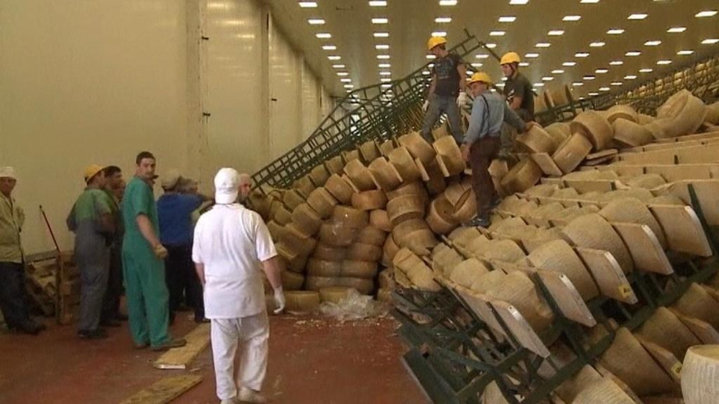 Zničený sklad sýra v Itálii
