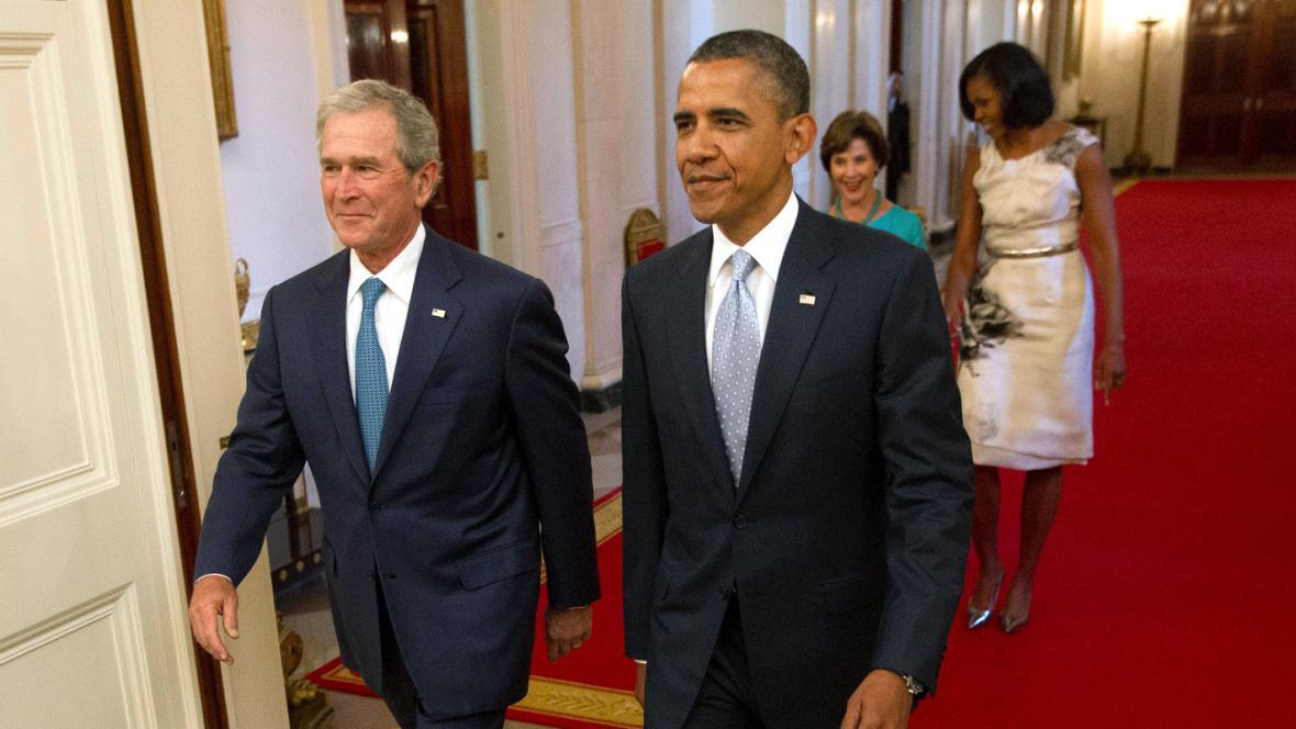Barack a Michelle Obamovi a George a Laura Bushovi