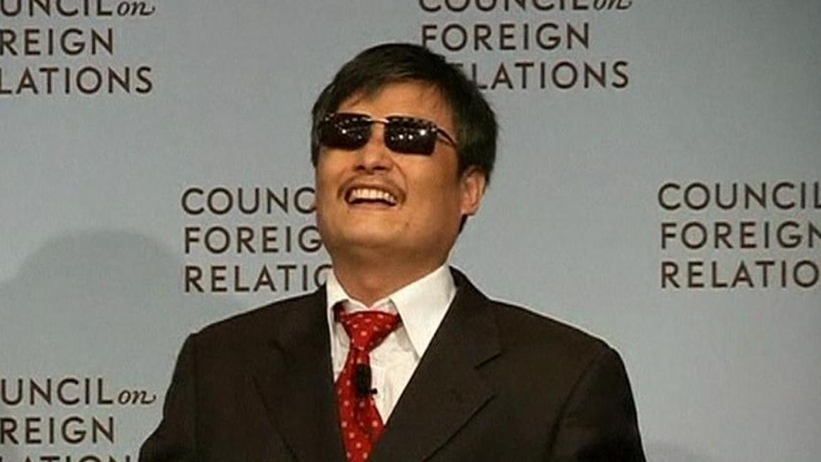 Čchen Kuang-čcheng promluvil na veřejnosti