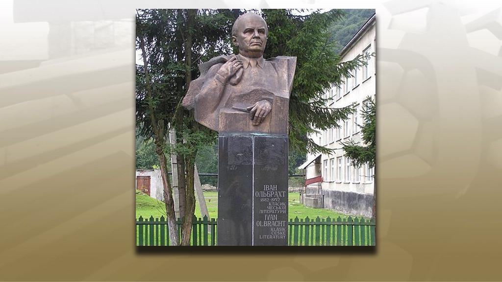 Pomník Ivana Olbrachta v ukrajinské Koločavě