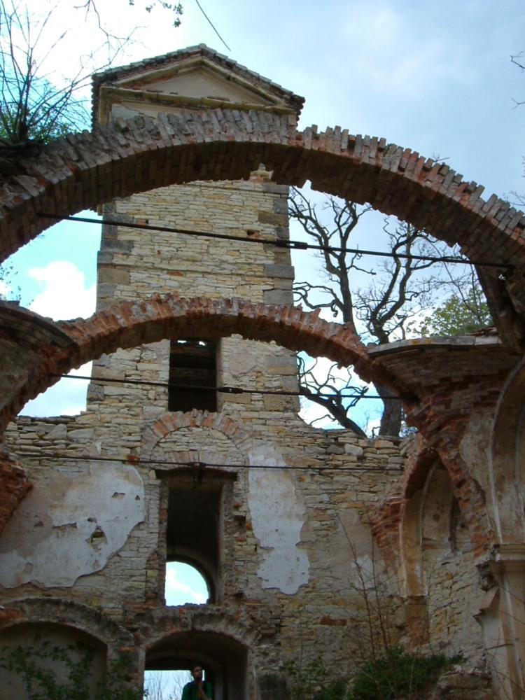 Zřícenina kostelu Prachová