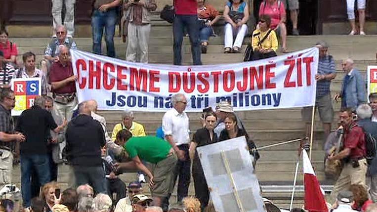 Demonstrace seniorů