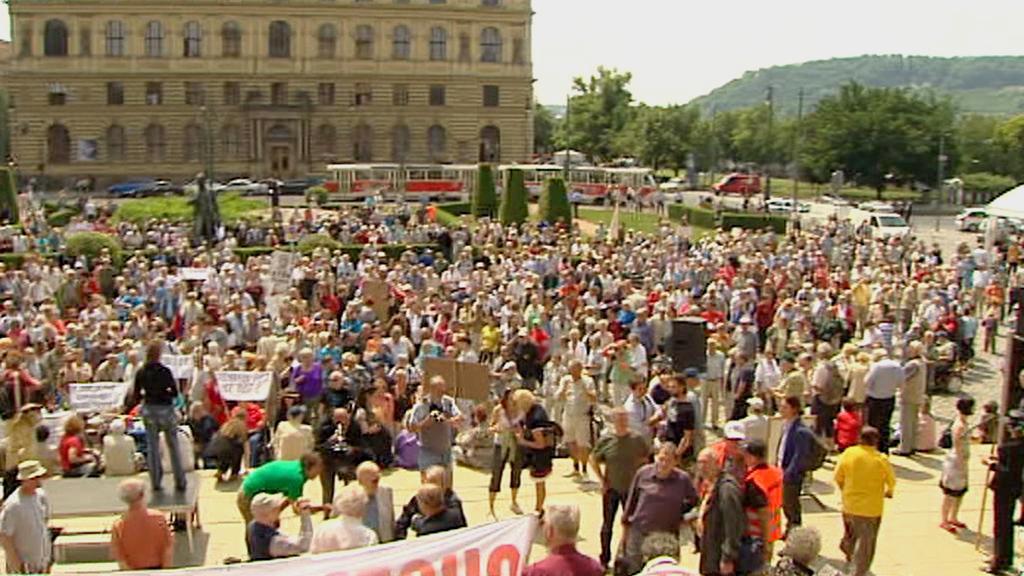 Protest seniorů proti vládě