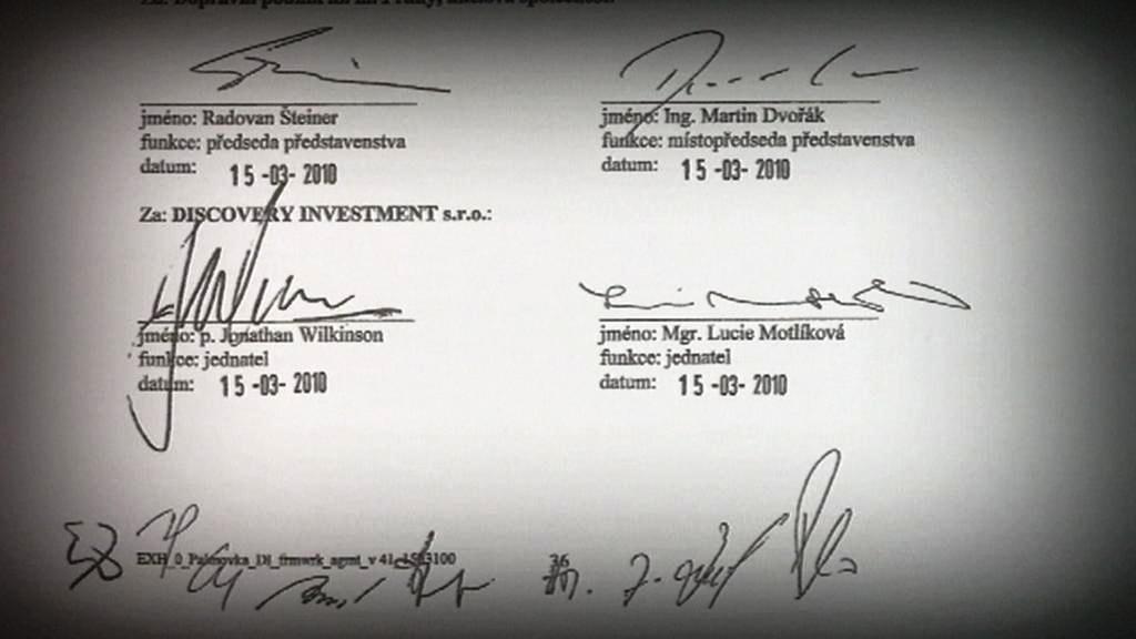 Popisy pod smlouvou o prodeji autobusového nádraží Palmovka