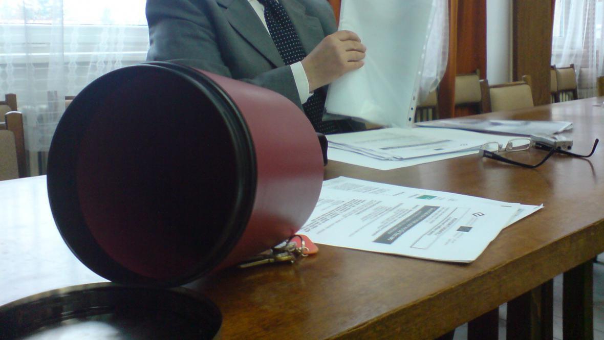Losování firem pro zakázku za půl miliardy ve Znojmě