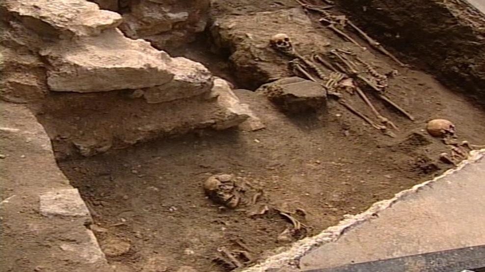 Hroby nalezené v okolí kostela sv. Jakuba v Brně