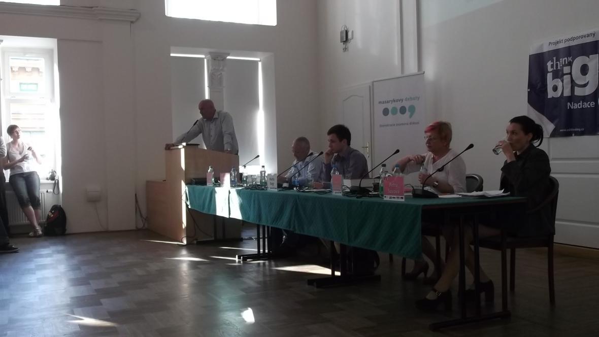 Pozvání na Masarykovy debaty přijal i Tomáš Julínek