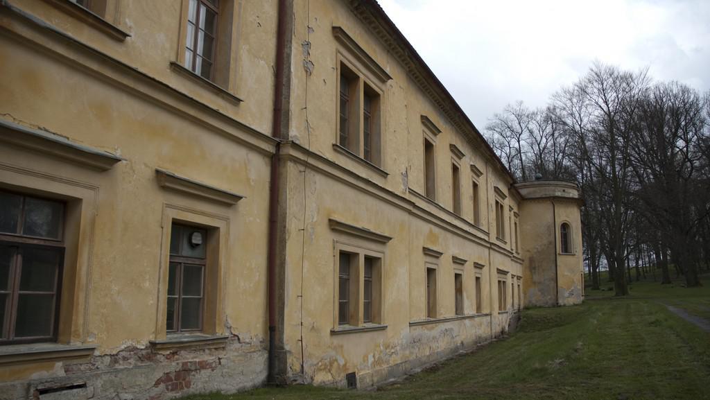 Barokní zámek v obci Nalžovské Hory