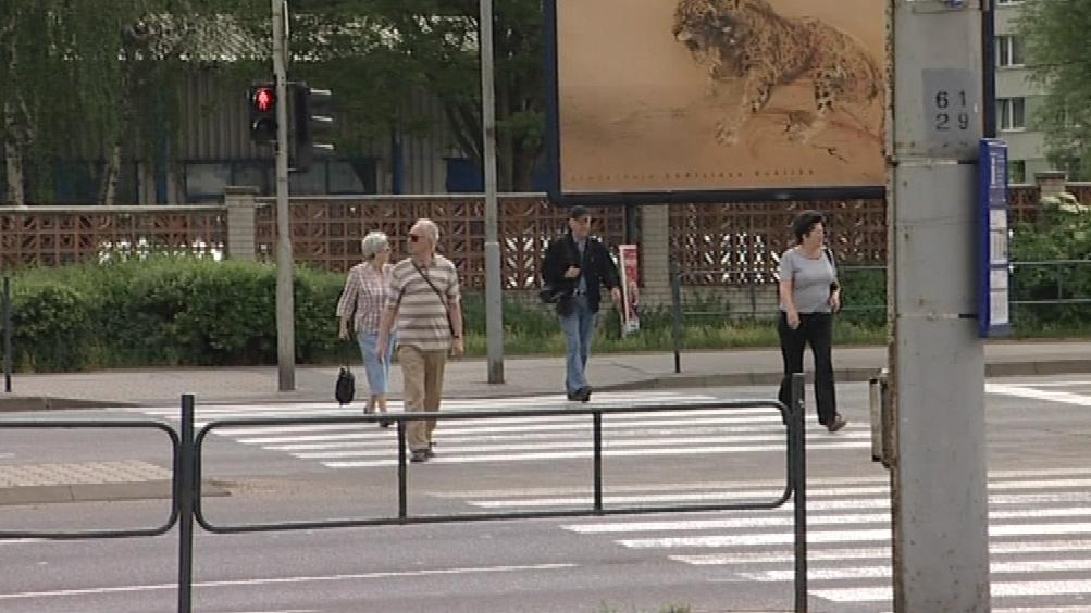 Chodci na semafor nehledí