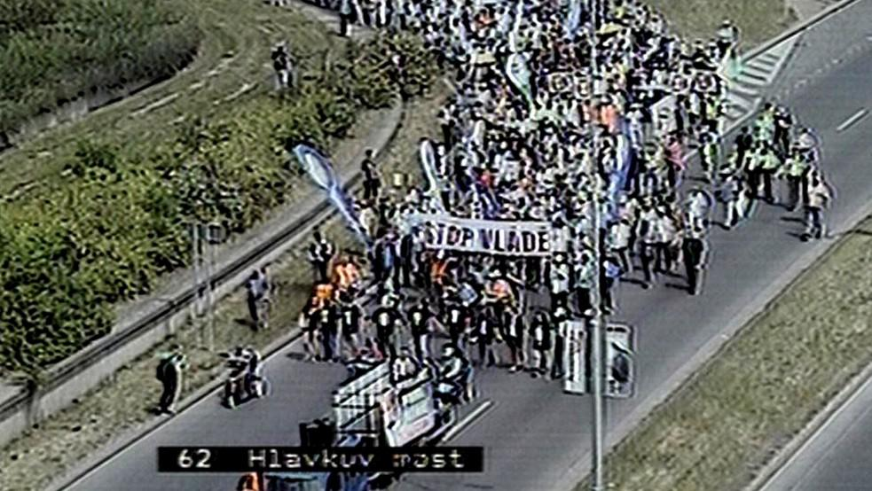 Pochod k Úřadu vlády