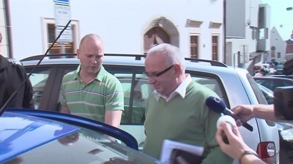 Zatýkání bývalého tajemníka Znojma Vladimíra Krejčíře