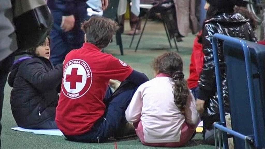 Lidé evakuovaní po zemětřesení v Itálii